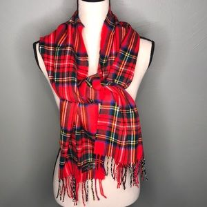 Softer than Cashmere D&Y red plaid scarf NWOT